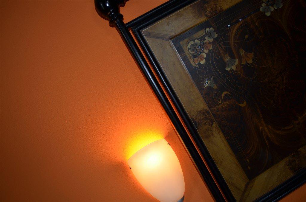 Camera Arancio Letto con luce
